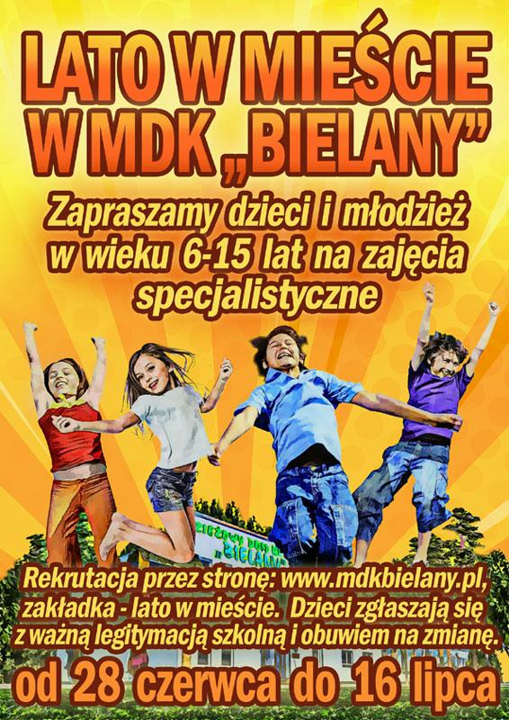 Plakat Lata w Mieście 2021 w MDK Bielany, Na plakacie skaczące dzieci, w tle budynek MDKu w żółtej przestrzeni